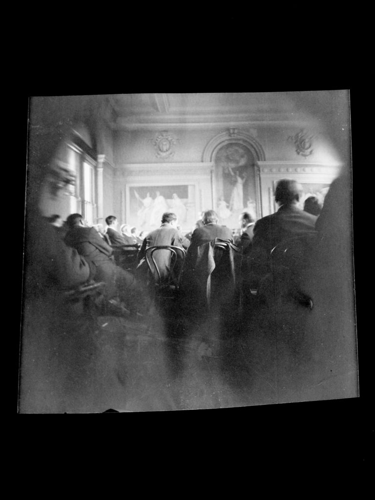 A photograph of Harry Thaw's trial.